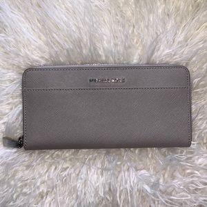 MICHAEL KORS- Jet Set saffiano grey leather wallet